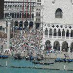 La foule de la place Saint-Marc