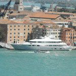 Venise - Petit yacht tout simple