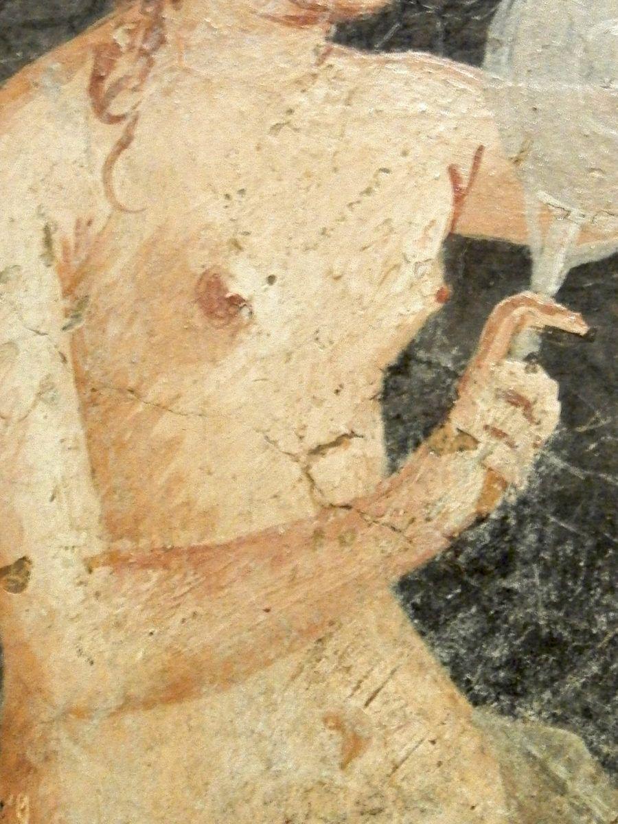 Jeune femme romaine se coiffant